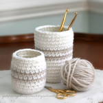Crocheted cozy for jars or cans